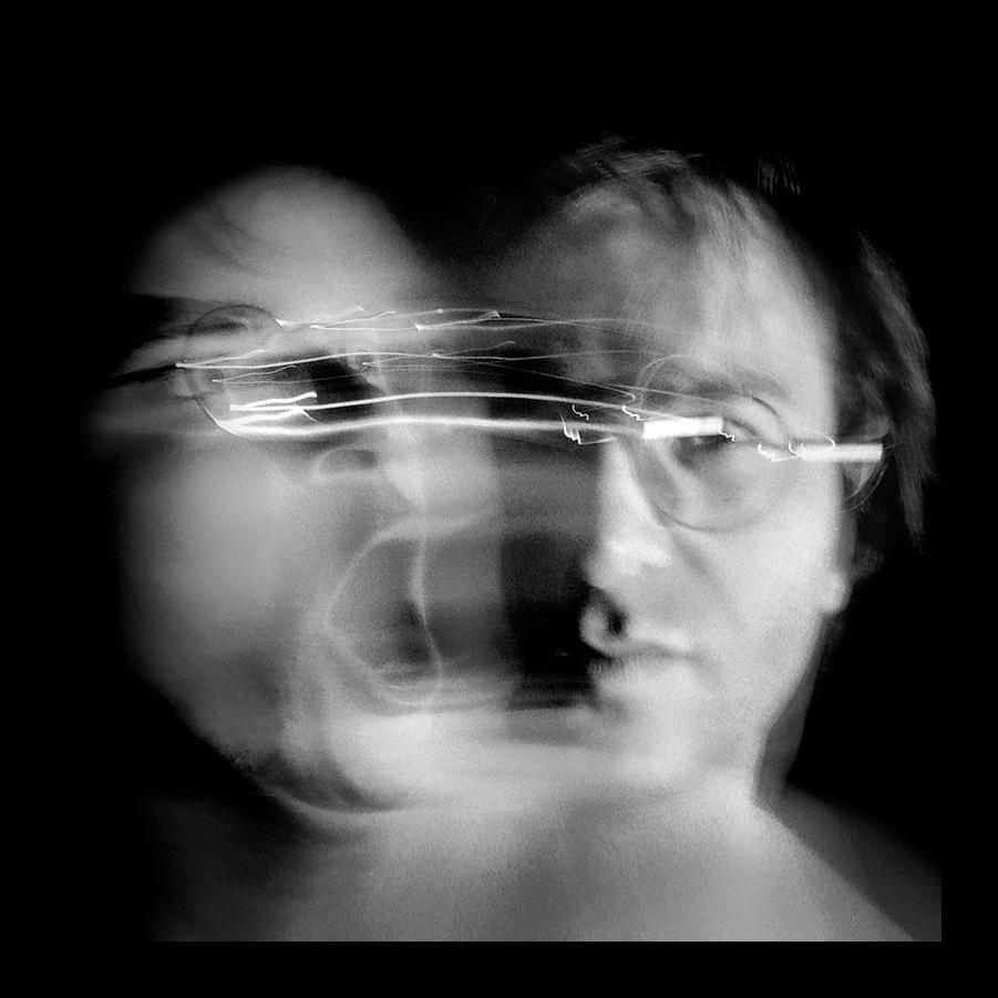time travel – zeitreise – self-portraits – selbstporträts – selbstportraits – the secret – mazy stories – black and white – dreams – fantasy – black and white photography – in schwarz und weiss – träume – phantasie – fantasie – george orwell – orwell – george orwell 1984 – 1984 – the end of time – end of time – the end of the world – das ende der zeit – weltuntergang – apokalypse – babylon – tod – sterben – death – to die – melancholia – andré heller – art – kunst – artworks – art photography – fotografie – by © peter gartmann – peter gartmann – peter walther gartmann – walther gartmann – gartmann – copyright © peter gartmann – www.instagram.com/petergartmann_art/ – @petergartmann_art – www.petergartmann.ch – art + photography – kunst + fotografie – basel – baselland – zürich – schweiz – switzerland – susanne minder art picture collection – susanne minder photo collection – collection susanne minder – bildarchiv susanne minder – susanne minder – minder – www.susanneminder.ch – sabina roth – roth – www.instagram.com/sabinaroth_photography/ – @sabinaroth_photography – www.sabinaroth.ch